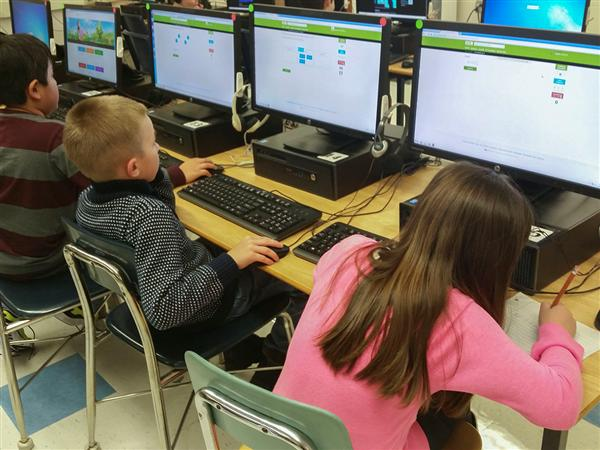 """IXL Learning"" Helps Deerfield Elementary Third Graders Practice Important Skills"