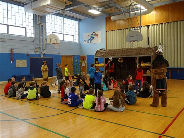 Youth Theatre Company Performs for Deerfield Elementary School