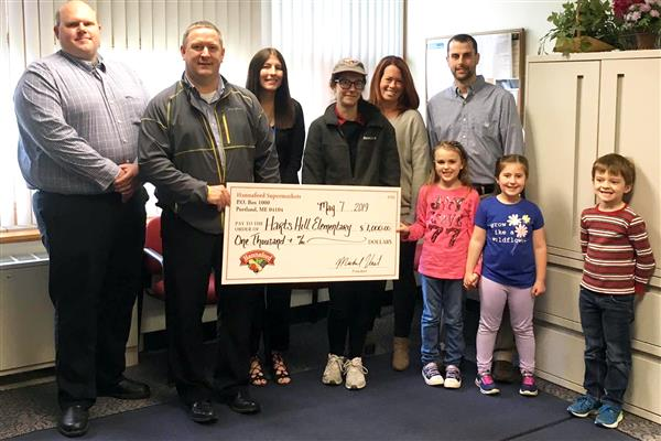 Hart's Hill Elementary Receives $1,000 Donation from Hannaford Supermarket