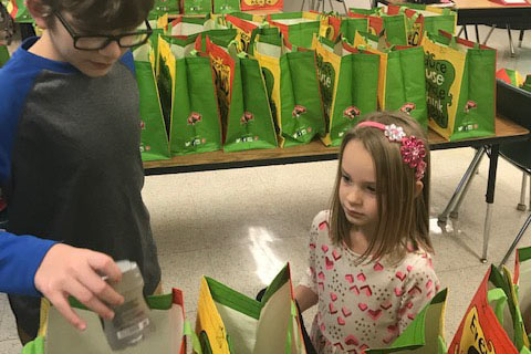 Hart's Hill School Community Puts Together Kindness Bags for Hope House