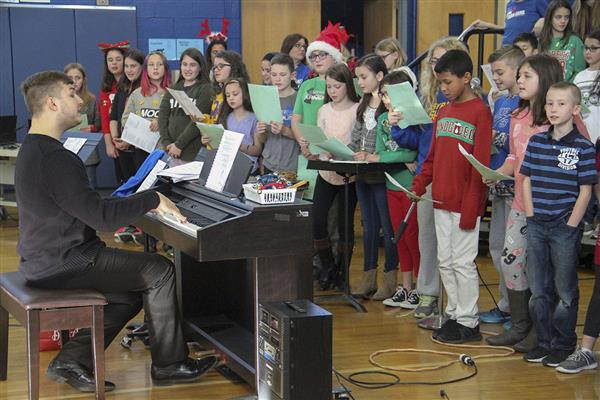 Westmoreland Road's Fifth Grade Class Kicks-off Winter Recess with Holiday Concert
