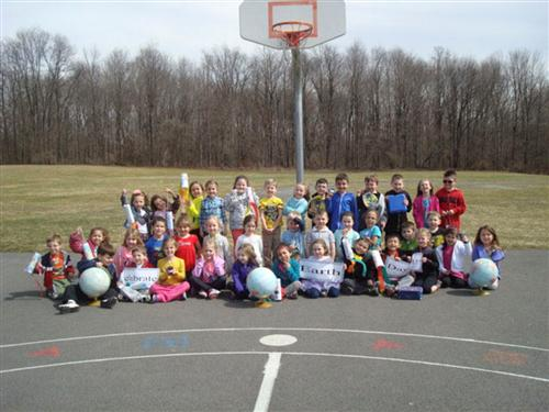 Deerfield Elementary School Kindergarteners Celebrate Earth Day