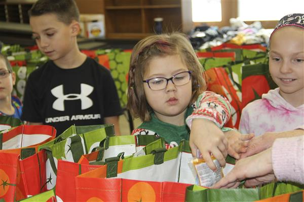 Hart's Hill Community Fills Kindness Bags for Hope House Residents