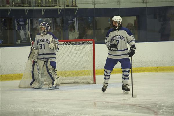 Varsity Hockey Team Victorious on Senior Night, Clinches